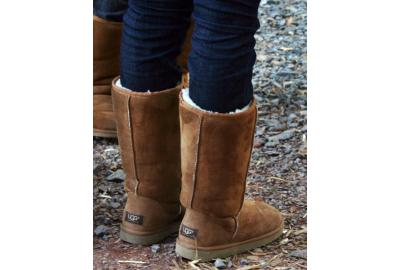 WARM WINTER SHOES: UGG BOOTS
