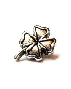 Four leaf clover shaped studs with rivet BC5086