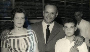 Luciana, Mario e Alceste Collini nel giorno dell'inaugurazione del negozio nel 1959