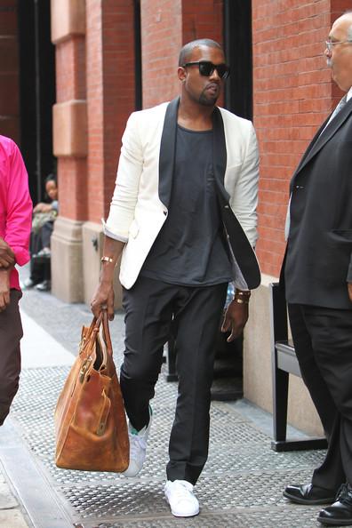 Kanye West indossa le Stan Smith